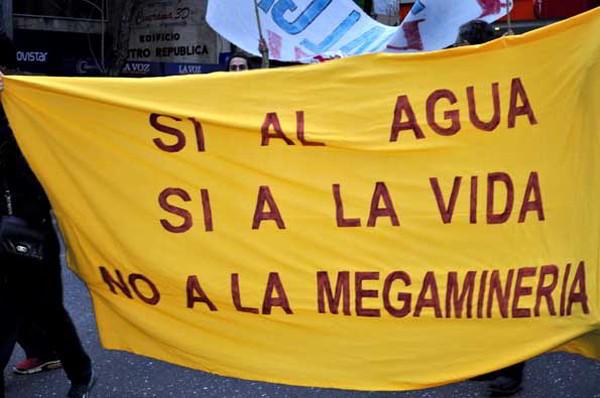 Lanzan en Uruguay plebiscito contra megaminería