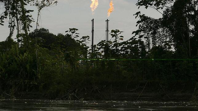 Gobierno de Ecuador aprueba explotar petróleo en Parque Yasuní